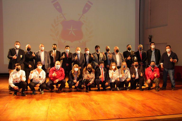 Homenajearon a Campeones Mundiales de Remo en Valdivia.